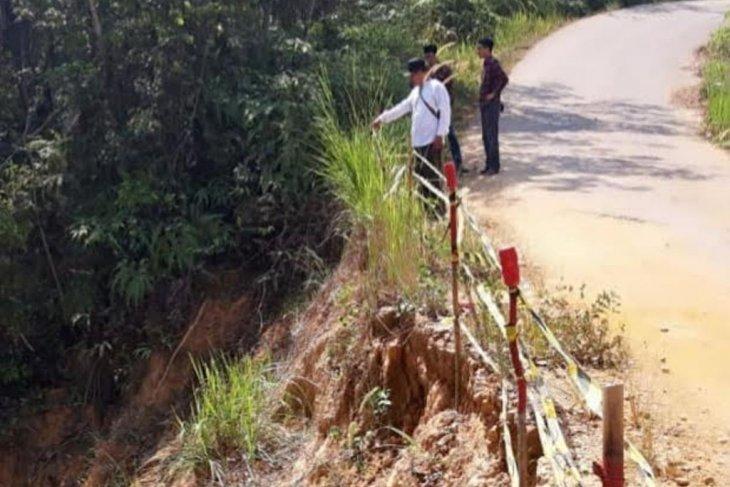 Perbaikan jalan Danau Embat-Bulian Jaya gunakan APBD-P 2019