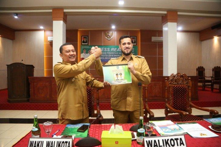 Wali Kota dan Wawali Probolinggo paparkan capaian program 99 hari kerja
