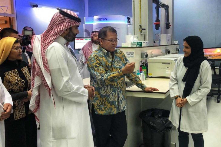 Rudiantara first Indonesian guest to Saudi Arabia's KACST