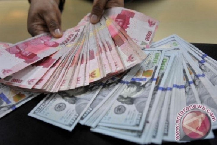 Rupiah appreciates against US dollar over improving US manpower data