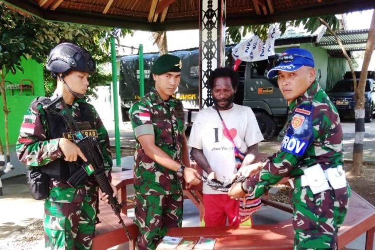 TNI catch a man carrying marijuana seeds from Indonesia-PNG border