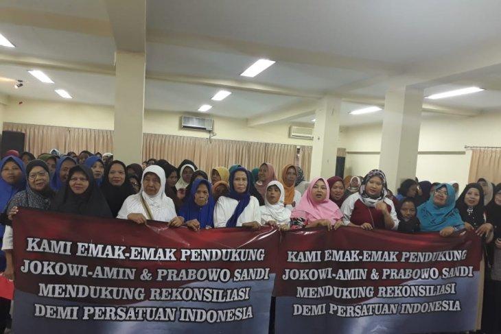 Emak-emak mendukung Persatuan Indonesia