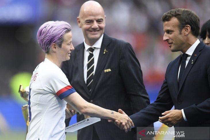 Bos FIFA dan Presiden Prancis dicemooh