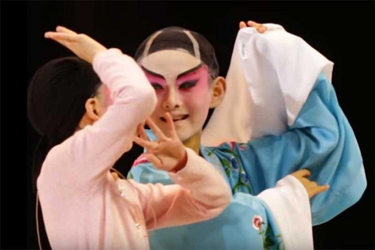 Pemerintah China melestarikan seni tradisi Opera Kanton