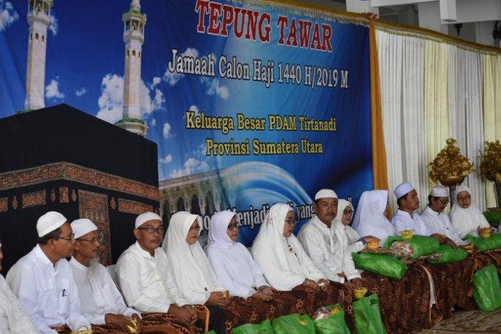 Direksi PDAM Tirtanadi tepung tawari 17 calon jamaah haji