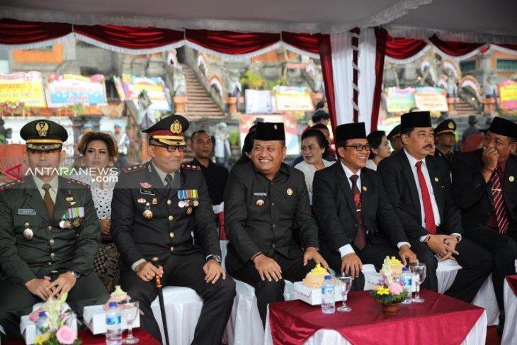 Bupati Gianyar jadi inspektur upacara Hari Bhayangkara