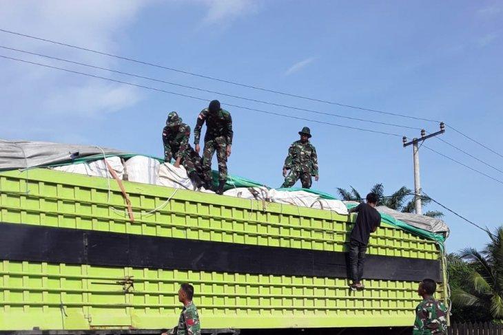 Satgas Pamtas tangkap truk bermuatan barang ilegal di Nunukan