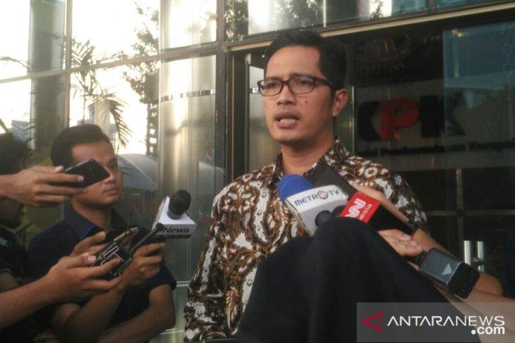 KPK geledah lima lokasi di Jatim untuk kasus Ketua DPRD Tulungagung