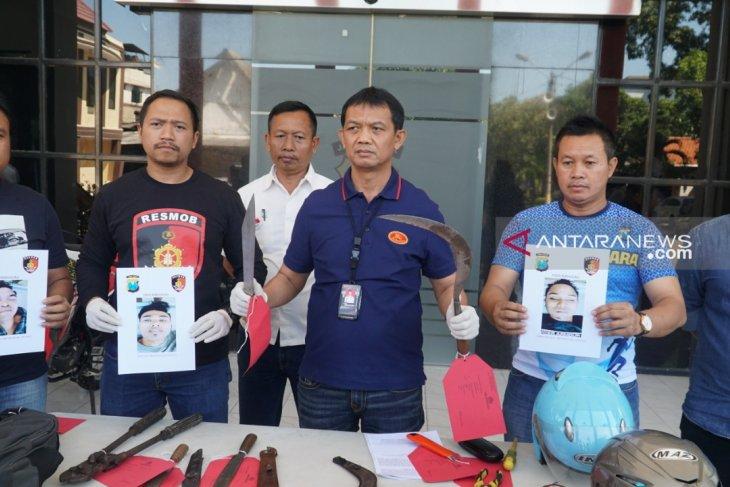 Polisi tembak mati tiga bandit sadis di Surabaya