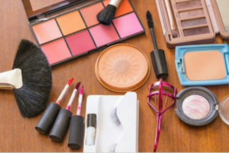 Menunggu solusi jitu menghadang gempuran kosmetik impor