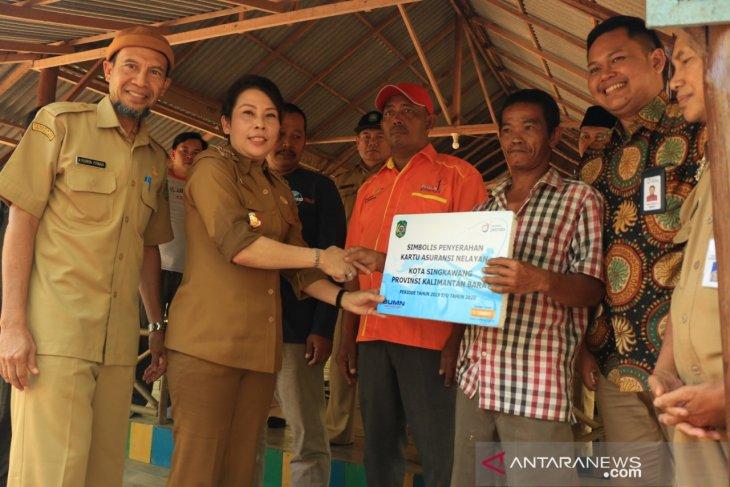 Wali Kota Singkawang sosialisasikan asuransi untuk nelayan