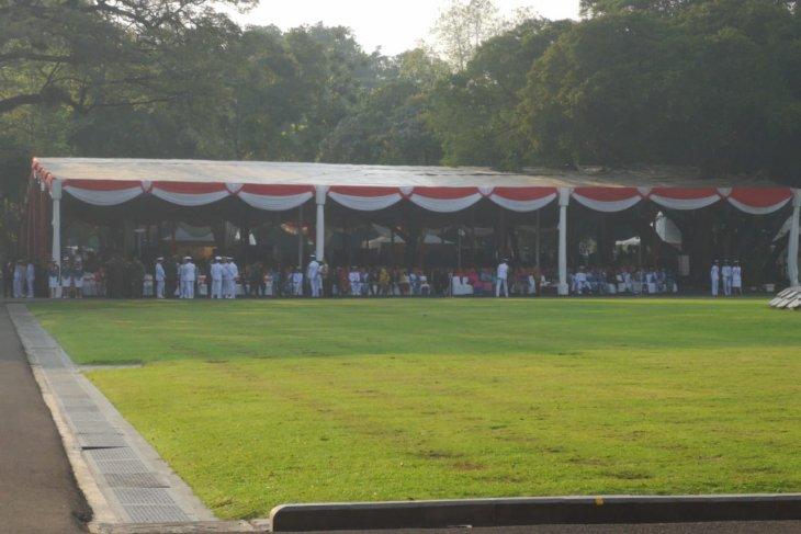 Jokowi  lantik perwira TNI dan Polri