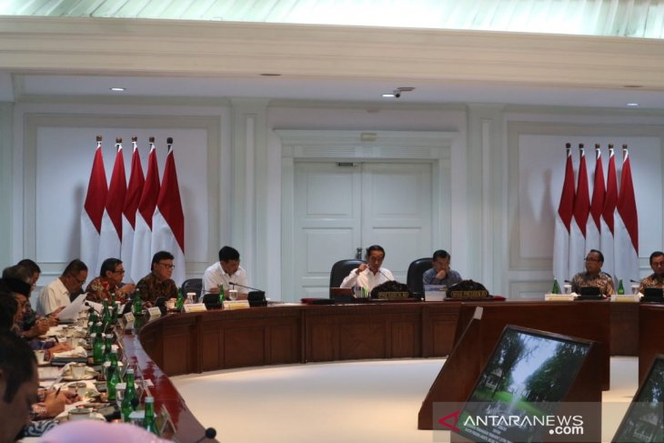 President Jokowi unequivocal in demanding solution to trash problem