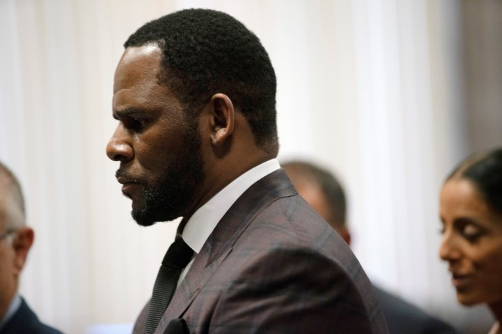 Tersangkut kasus pemerasan, permintaan bebas R. Kelly kembali ditolak