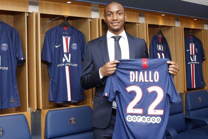 PSG resmi memboyong Abdou Diallo dari Dortmund