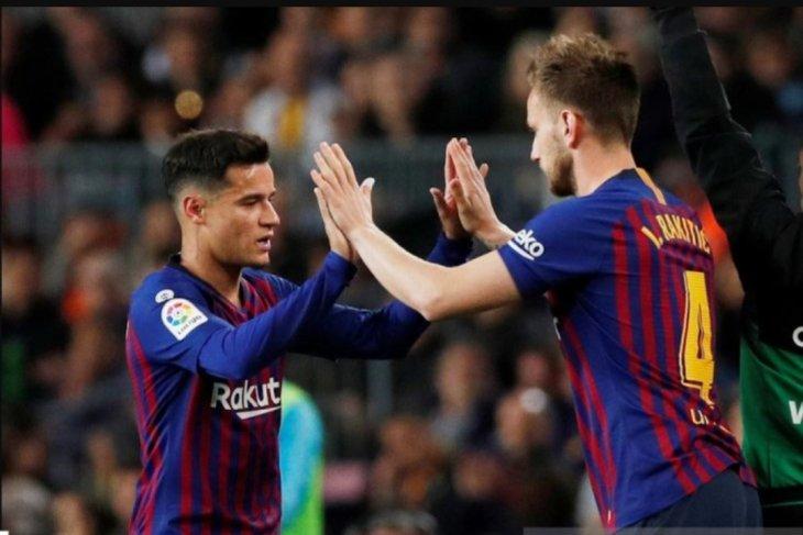Barcelona siap tukarkan Coutinho dan Raktitic demi Neymar