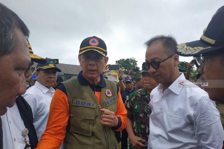 Social minister and head of BNPB visit South Halmahera