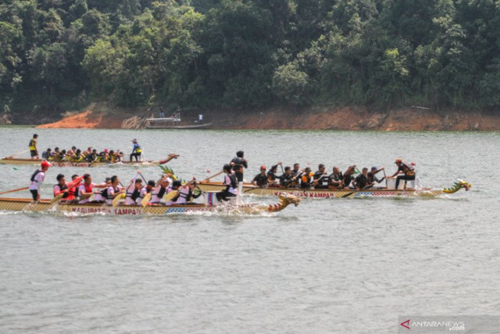 11 nations' rowing athletes participate in Kampar's dragon boat race