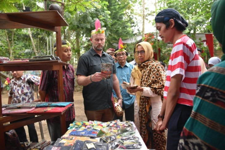 Wakil Dubes Australia kunjungi destinasi wisata perdamaian di Jember