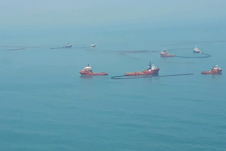 Pertamina to compensate fishermen, residents affected by oil spill