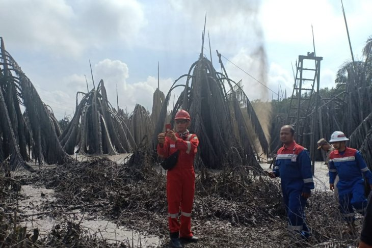 Pengeboran minyak ilegal di Muba Sumsel, lumpur menyembur hingga 30 meter