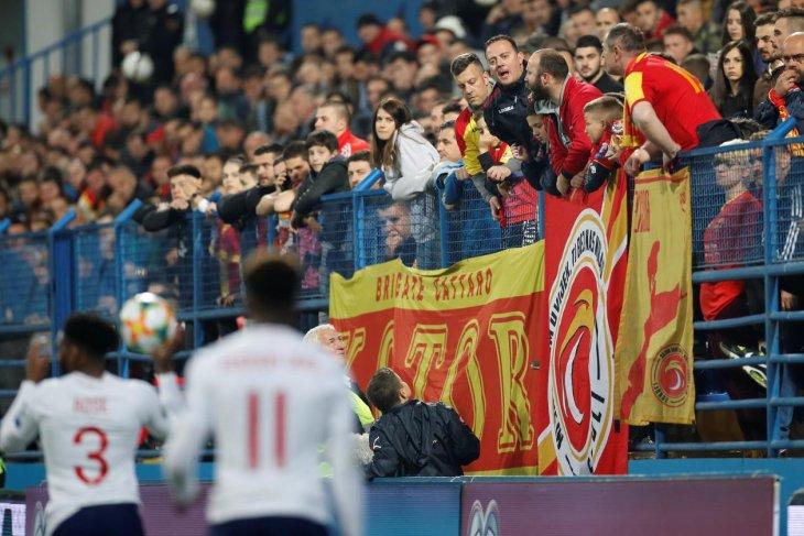 Bulgaria dihukum UEFA gara-gara penonton rasis