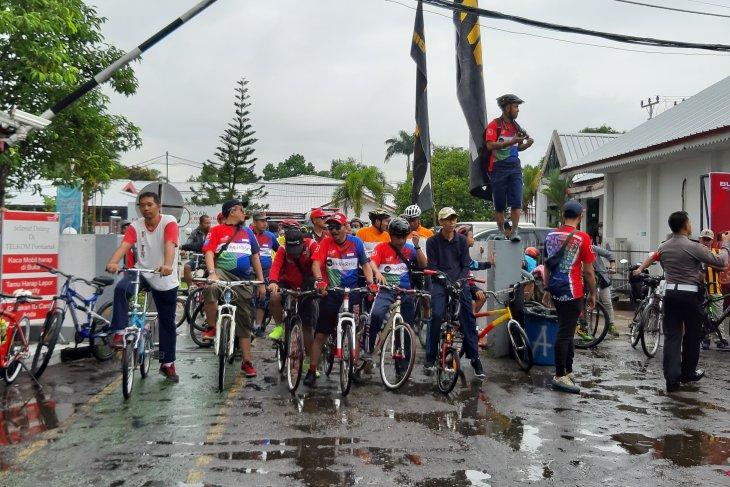 Telkom  Kalbar ajak pelanggan dan komunitas bersepeda