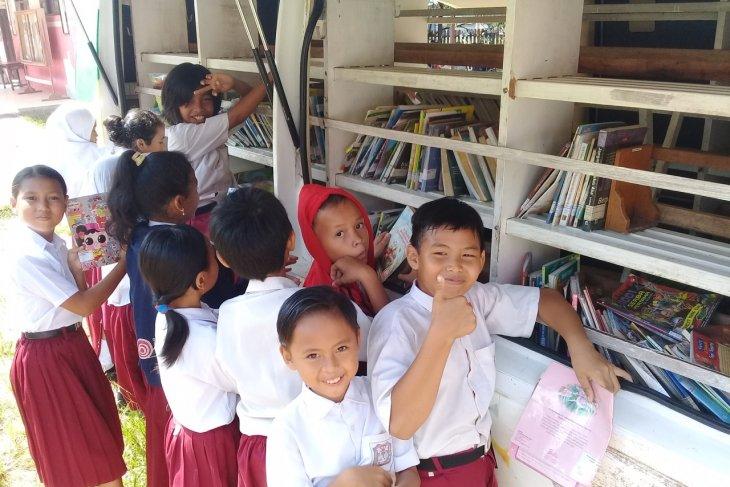 Perpustakaan keliling  YABN sarana tumbuhkan minat baca