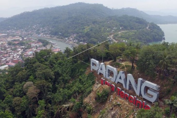 Kawasan wisata terpadu Gunuang Padang dipercantik