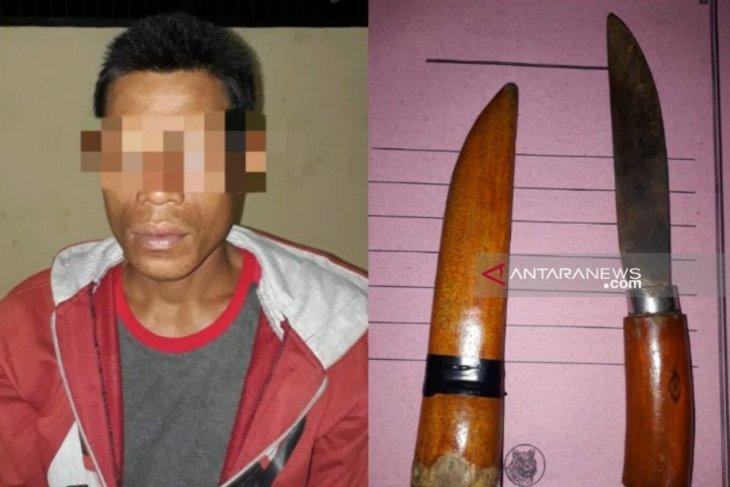 Warga Barabai ini ditangkap karena simpan pisau di bawah jok motor