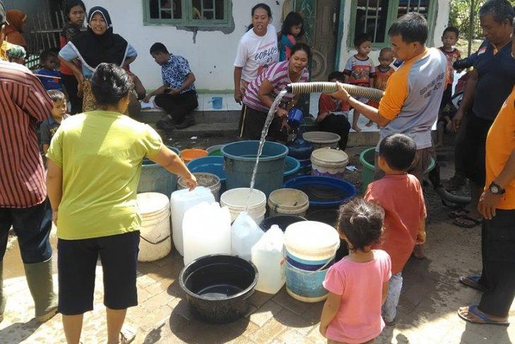 BPBD Lebak salurkan air bersih 76.000 liter ke tiga kecamatan