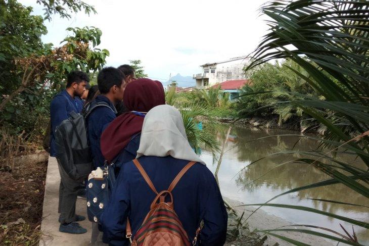 25 mahasiswa Untan lakukan pengamatan lingkungan di Singkawang