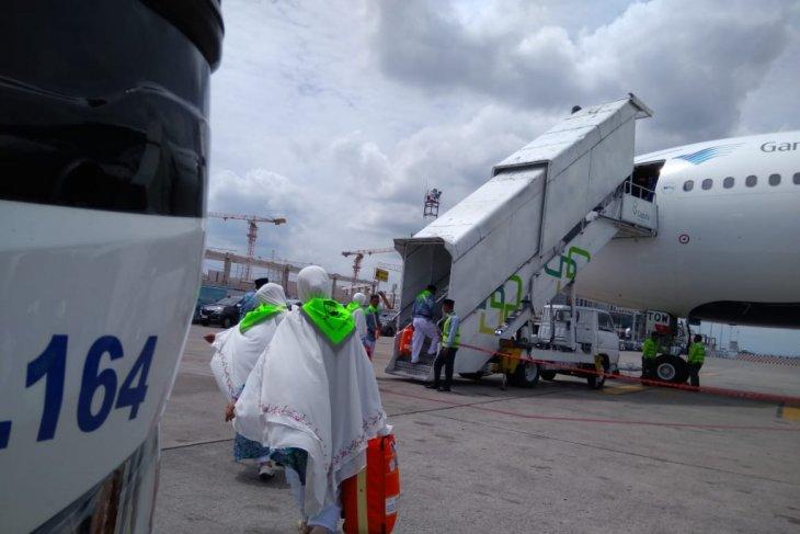 Keberangkatan kloter 10 embarkasi Banjarmasin sempat tertunda