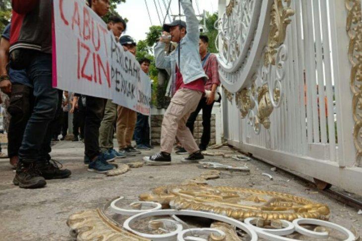 GMKI tuntut pencabutan izin perusahaan perusak Danau Toba