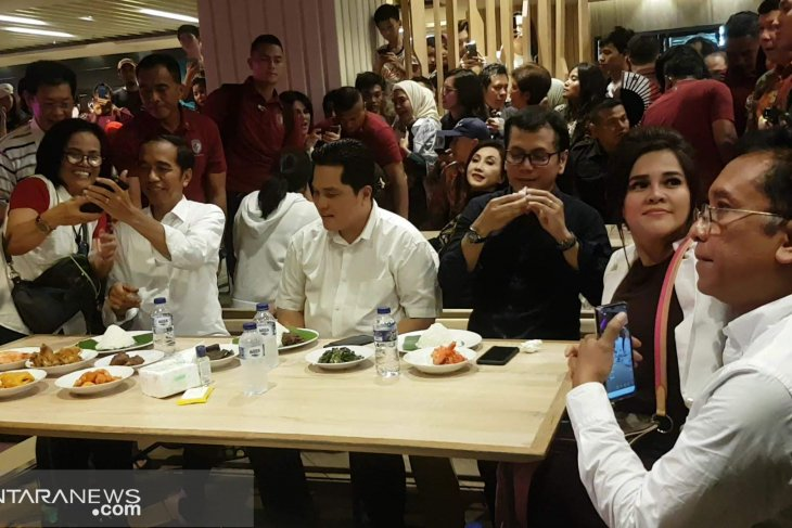 Jokowi believed to recruit young people in cabinet: political analyst