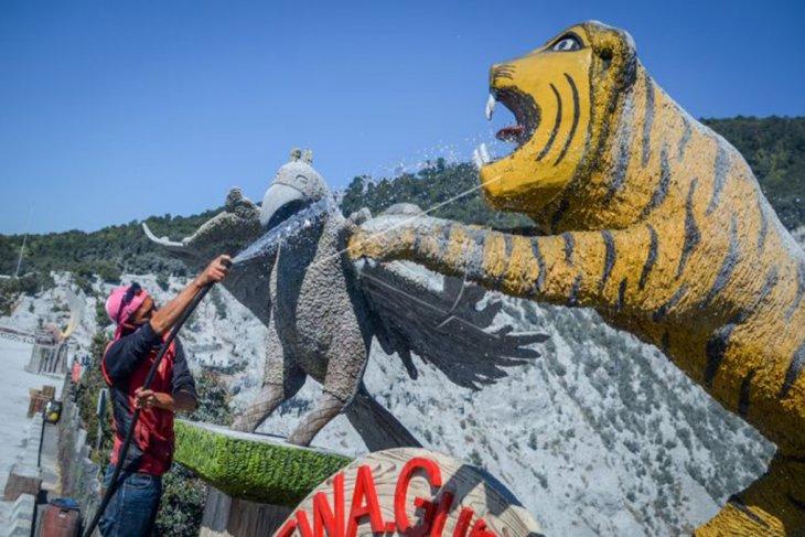 Suasana pascaerupsi Gunung Tangkuban Parahu