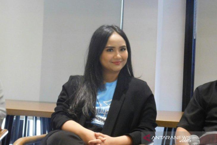 Gita Gutawa dalami bahasa Indonesia