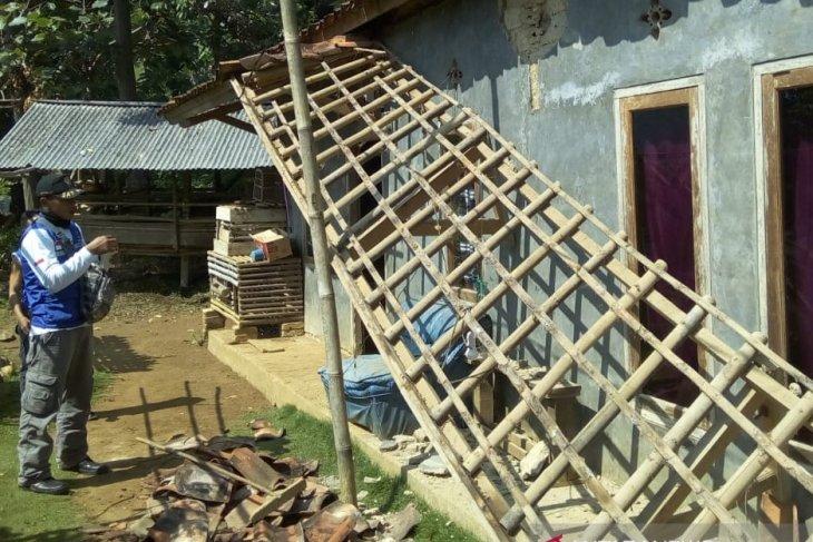 Gempa 5,2 SR di Banten akibatkan empat rumah di Sukabumi rusak