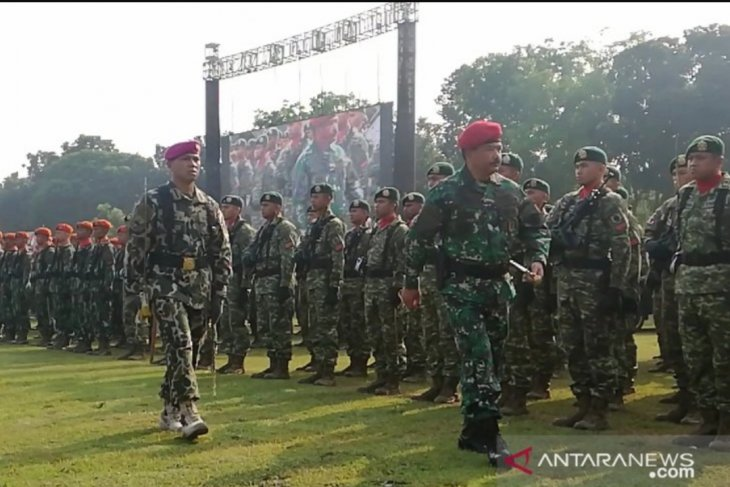 Survei: TNI lembaga negara paling dipercaya publik