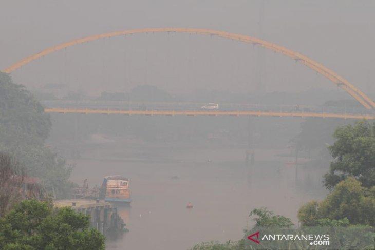 Smog lowers visibility in Pekanbaru
