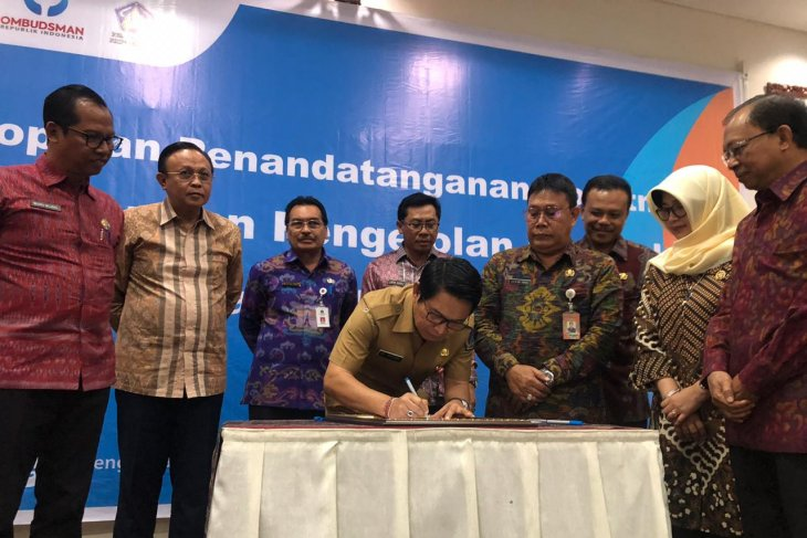 Pemkab Badung tandatangani komitmen penguatan pengelolaan pengaduan publik