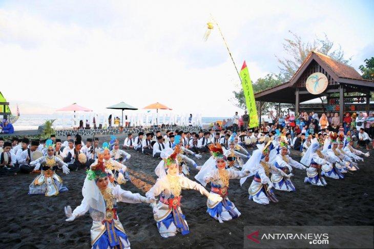 Festival Cacalan untuk kenalkan wisata pantai di kawasan kota Banyuwangi