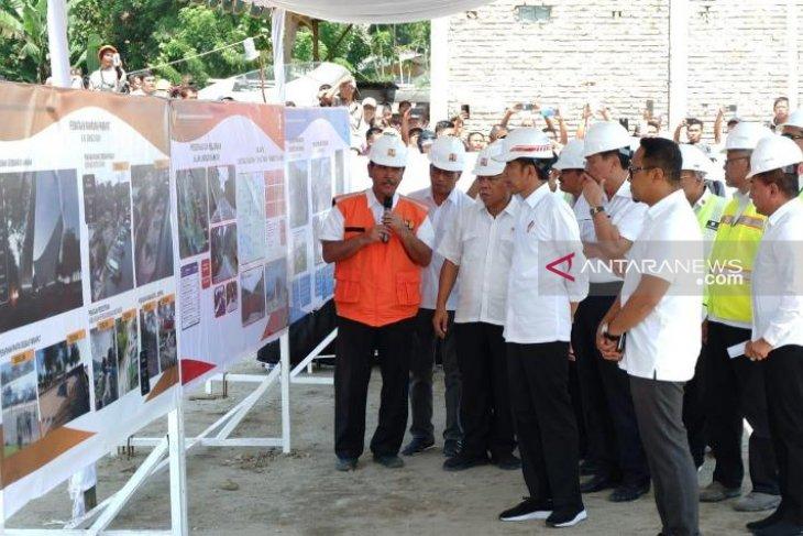 Presiden: Jalan lingkar Pulau Samosir selesai akhir tahun