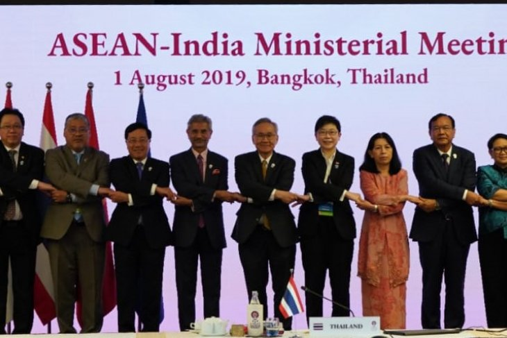 Indonesia encourages ASEAN, India to strengthen partnership in STI