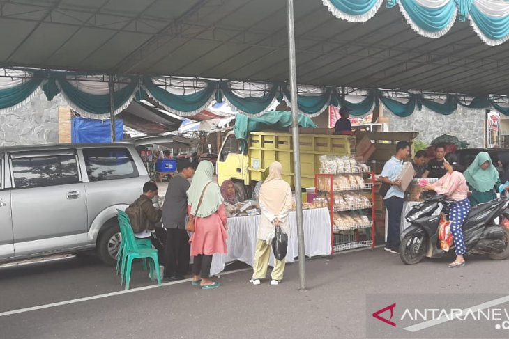 Jelang Lebaran Idul Adha, Pemkab Bangka gelar pasar murah sembako (Video)