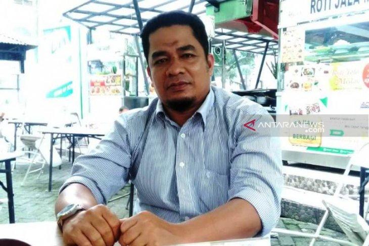 Praktisi: kasus video mesra Bupati Simeulue harus hormati hukum