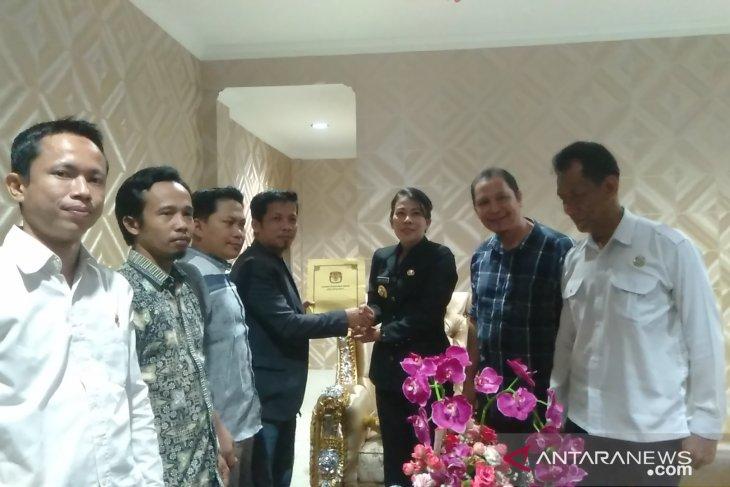 KPU Kota Singkawang serahkan berkas penetapan calon anggota DPRD