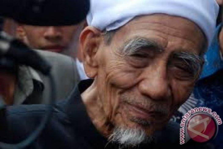 Prabowo Subianto inspired by KH Maimoen Zubair