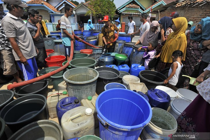 BPBD Lebak pasok air bersih pada 10 desa kekeringan