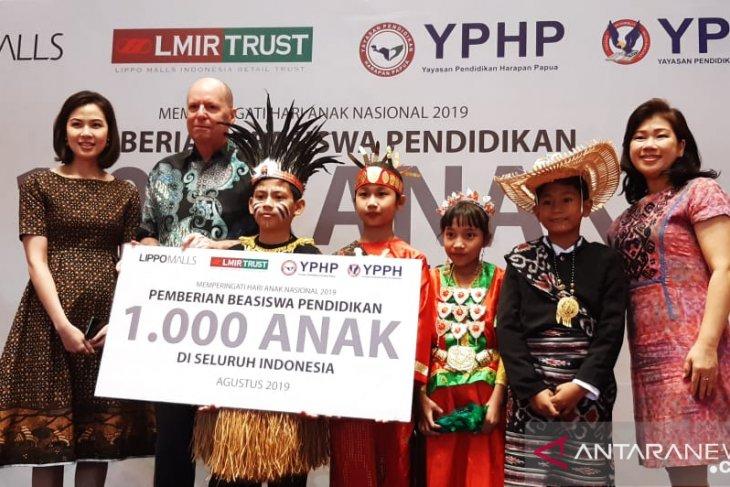 Lippo Malls serahkan bantuan beasiswa bagi 1.000 anak Indonesia
